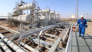 """""""النفط العراقية"""" تتخلى عن شركاء وتشق طريقها لتجارة الخام"""