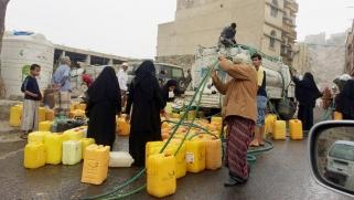 بسبب القات والحوثيين.. أزمة مياه حادة في تعز