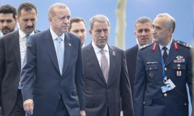 """بين فكي كماشة.. ما خيارات تركيا بصفقة """"إس 400″؟"""