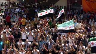 بعد 8 سنوات ثورة.. مظاهرة بدرعا رفضا لتمثال الأسد