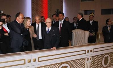 القمة العربية بتونس: حدث كبير بسياقات سياسية واقتصادية فارقة
