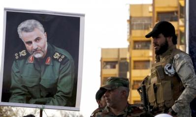 القط الإيراني قاسم سليماني يستعرض عضلاته السياسية