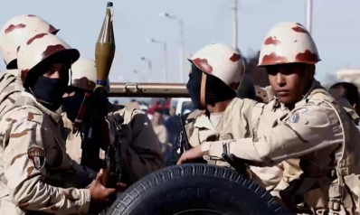 مصر تواصل صفقات السلاح المليارية.. وتساؤلات حول الأولويات