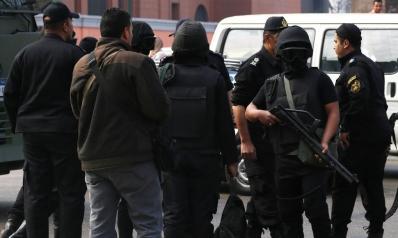 المخبر في مصر.. عصفور يستدرجك إلى القفص