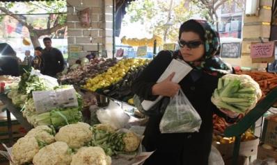 نمو سلبي للاقتصاد الإيراني ورهان على العراق وروسيا