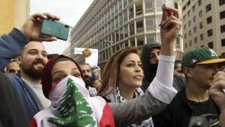 الحريري يطالب اللبنانيين بتحمّل إجراءات قاسية