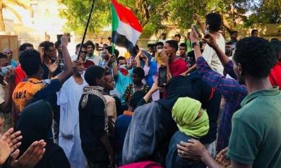 """مظاهرات سودانية تمهد لموكب """"6 أبريل"""" والأمن يتصدى لها"""