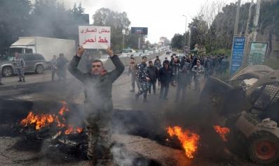 مخاوف من انفجار شعبي يؤدي إلى أزمة حكم لبنانية