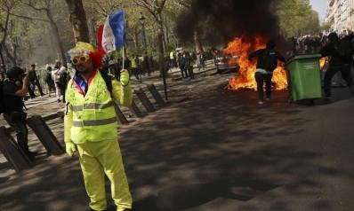 حريق نوتردام يؤجّج غضب السترات الصفراء