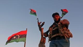 على واشنطن التحرك بصورة ملحة بعدما أصبحت المصالح الأمريكية في ليبيا مهددة