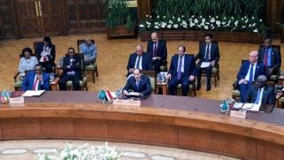 القمة الأفريقية التشاورية توصي بإمهال عسكر السودان 90 يوما لتسليم السلطة