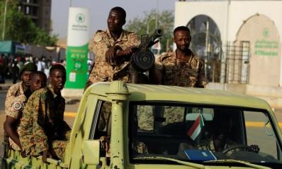 الجيش والثورة في السودان.. تفكيك أم إعادة بناء؟