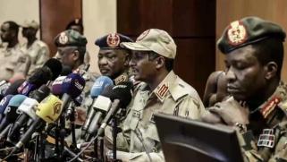 """""""البلاد قابلة للانفجار"""".. العسكري السوداني يهدد باللجوء لخيارات وحلول بديلة"""