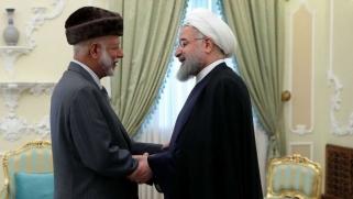 إيران تهدّد الولايات المتحدة في العلن وتفاوضها سرا