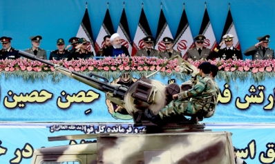 إيران تهدد الولايات المتحدة بإغراق سفنها بأسلحة سرية
