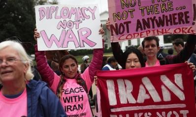 وول ستريت: في إيران يستبعدون الحرب لكنهم يتوقعون معاناة اقتصادية
