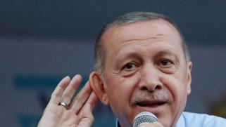 وقف واشنطن الإعفاءات على الصادرات يخنق الاقتصاد التركي