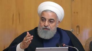 """روحاني يدعو للوحدة بمواجهة ظروف """"أصعب من الحرب مع العراق"""""""
