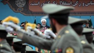 أميركا وإيران.. حالة لا حرب وتواصل لعبة عض الأصابع