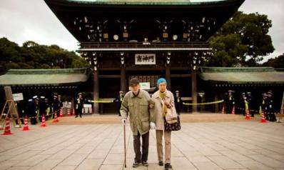 """بسبب """"الشيخوخة السكانية"""".. اليابان تفتح الباب بحذر أمام العمالة الأجنبية لسد الفجوة في سوق العمل"""
