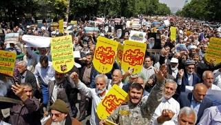 هل تنجح دبلوماسية الحصار والبوارج في تركيع إيران؟