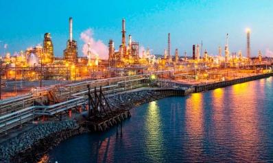 شركات تكرير أمريكية تتجه إلى العراق وغرب أفريقيا والبرازيل مع شح النفط
