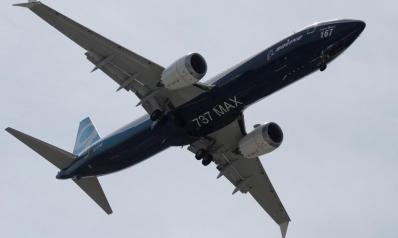 """بوينغ تقر باكتشافها اختلالات بطائرات """"737 ماكس"""" منذ 2017"""