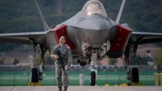 تركيا تتمسك بـ {عدم قانونية} إبعادها من مشروع «إف 35»