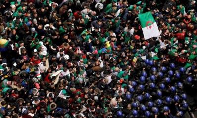 لعبة المستتر والمكشوف: الإعلام والحراك الجزائري