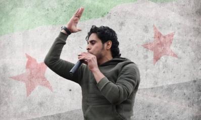 """قتل بمعارك ريف حماة.. مسيرة """"منشد الثورة السورية"""" من الملاعب لجبهات القتال"""