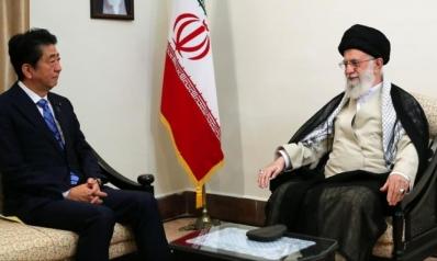 في أجواء مشحونة بالمنطقة.. لقاء غير مسبوق بين المرشد الإيراني ورئيس وزراء اليابان