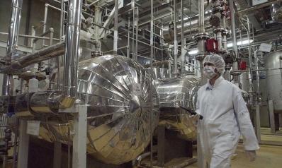 إيران تنفّذ تهديدها بانتهاك بنود من الاتفاق النووي