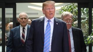لماذا امتنع ترامب عن توجيه ضربة عسكرية لإيران؟