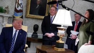 ترامب يحذر إيران من ردّ ساحق في حال أي هجوم