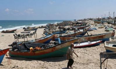"""باستخدام ورقة """"الصيد""""… إسرائيل تبتز غزة"""