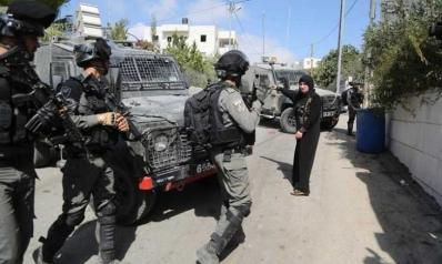 بوابات إسرائيل.. قيود تحوّل الضفة الغربية إلى سجن