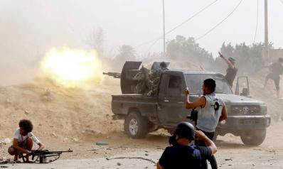 الجيش الليبي يستهدف طائرة تركية مسيّرة ويسقطها في مدرج مطار معيتيقة
