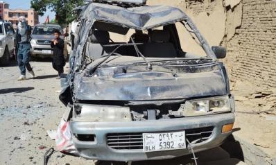 عشرات الضحايا بتفجير وسط أفغانستان وطالبان تتبنى