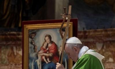 أوفد مبعوثا للأسد.. بابا الفاتيكان قلق على سكان إدلب