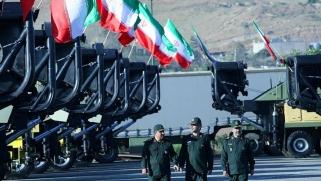الحرس الثوري الإيراني… ذراع حماية الحاكم بمرجعية دستورية