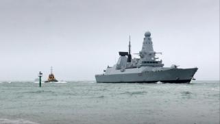 مدمرة بريطانية جديدة إلى الخليج وواشنطن تدفع لتشكيل تحالف عسكري دولي