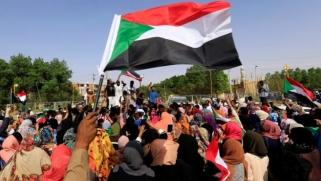 اتفاق السودان أولى خطوات المرحلة الانتقالية لكن التحديات كثيرة