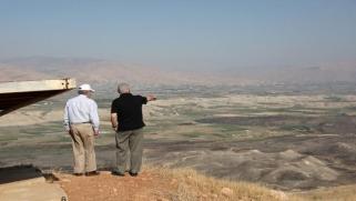 بولتون ونتنياهو وضم الضفة الغربية