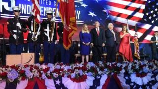 """""""وقت العجائب والمعجزات"""".. أميركا تحتفل لأول مرة باستقلالها في القدس المحتلة"""