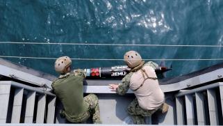 ما هي خيارات المجتمع الدولي لمواجهة القرصنة الإيرانية