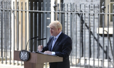 بدعاية مدفوعة.. جونسون يهيئ البريطانيين للبريكست دون اتفاق