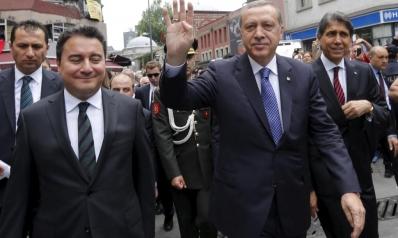 باباجان يعلن استقالته رسميا من حزب أردوغان