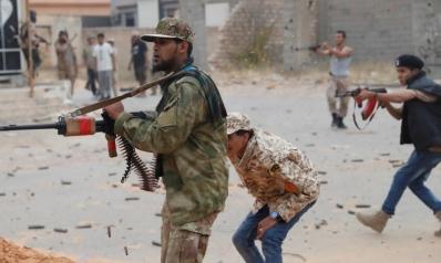 من تونس.. السراج ومسؤول أميركي يؤكدان أهمية وقف القتال بطرابلس