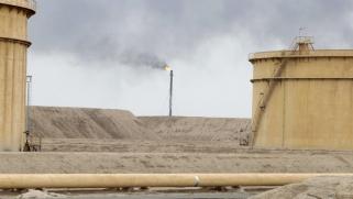 أبرز 6 محطات تاريخية توقفت فيها إمدادات النفط عالميا