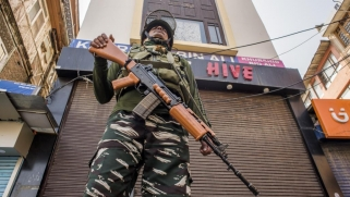 الهند تشدد قبضتها الأمنية في كشمير بعد خطاب رئيس وزراء باكستان